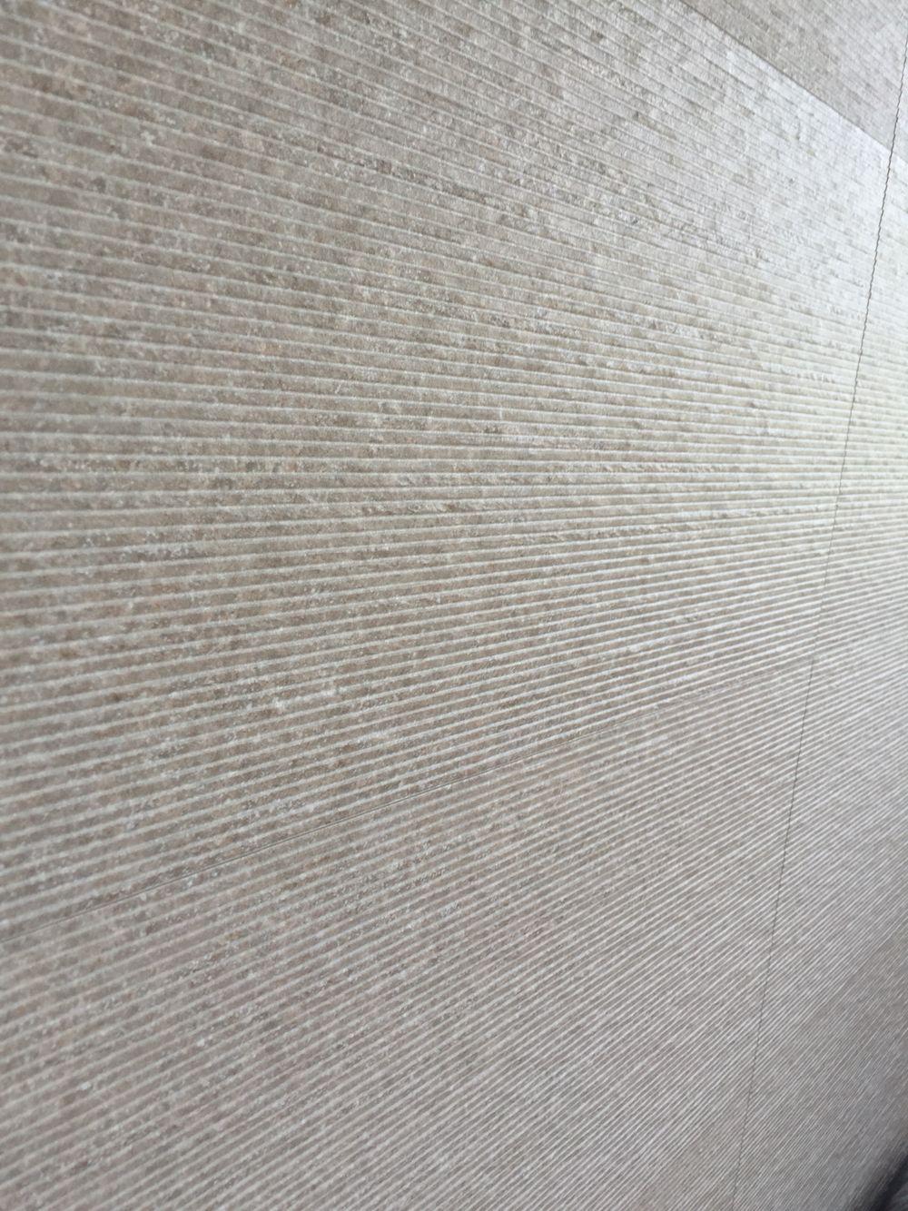 Venis badkamer tegels badkamertegels pinterest tegels badkamer en travertijn - Porcelanosa tegel badkamer ...