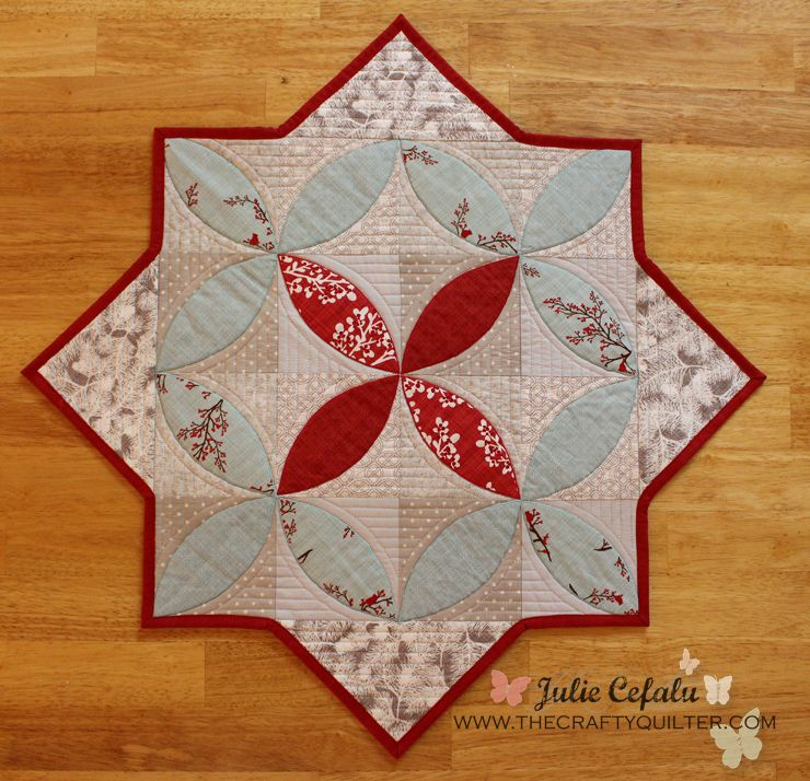 How to turn a Swoon block into a table topper | The Crafty Quilter | Bloglovin'