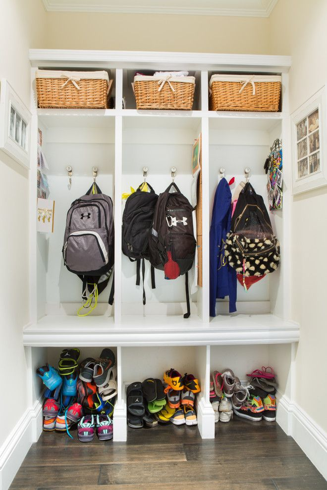 Delightful Different Sizes Mudroom Storage   Home Decorating Trends   Homedit