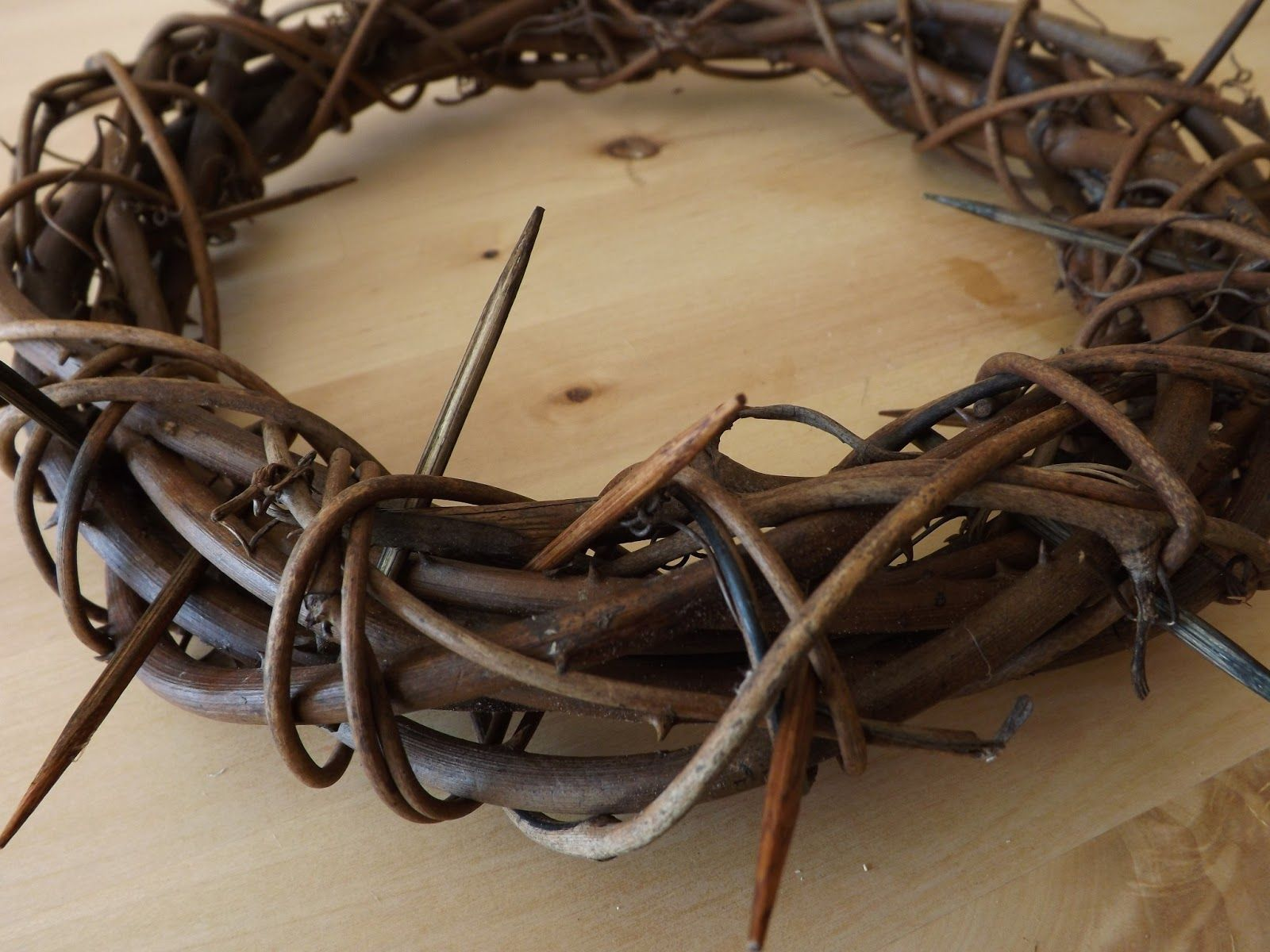Grape vine for crafts - Find This Pin And More On Adult Crafts Diy Easter Crown Of Thorns Grapevine Tutorial