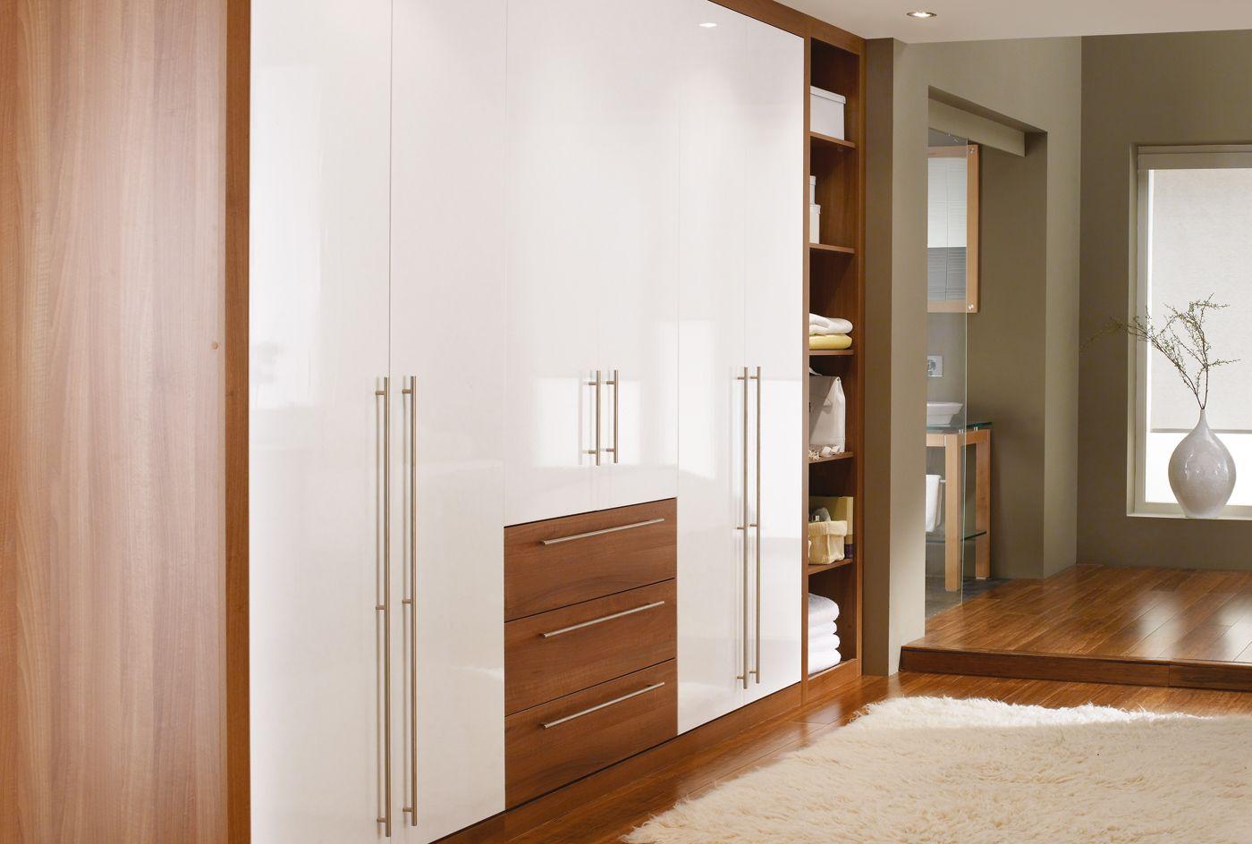Cosmopolitan In Light Walnut And White Httpwwwsharpscouk - Light walnut bedroom furniture
