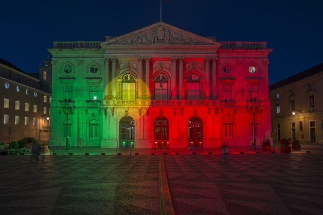 Sítio da Câmara Municipal de Lisboa: Câmara Municipal de Lisboa associa-se à festa do país
