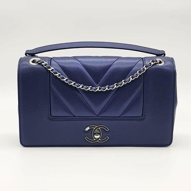 3300 wire. Preloved Chanel Mademoiselle Vintage Chevron