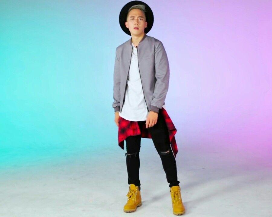 Steven Lim Buzzfeed I Trained Like A K Pop Star For A Week Ft Amber From F X Youtu Be Xskh Djdu K K Pop Star Pretty Outfits People Like
