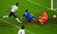 Liking the accidental setting of players, good shot from (Ger-Gre of Euro2012)