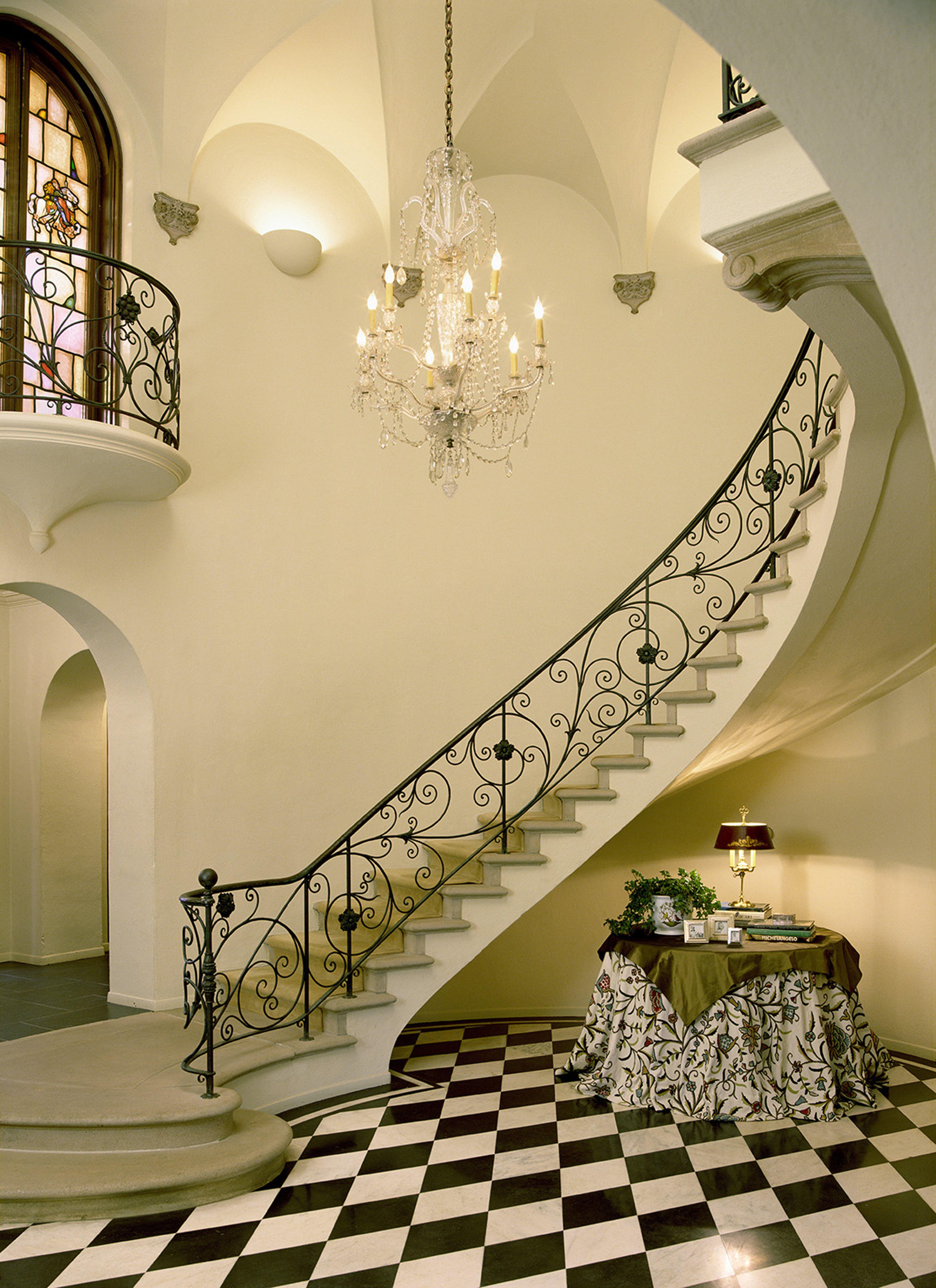 Tommy.chambers.interiors.inc.portfolio.interiors.foyer.staircase ...