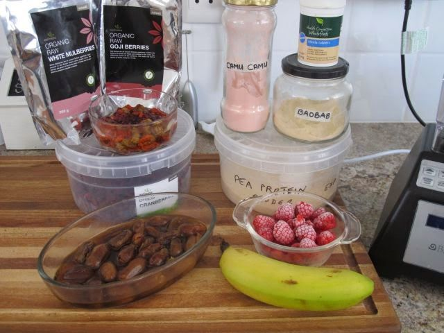 Meat Free Everyday: Berry smoothie - raw and vegan