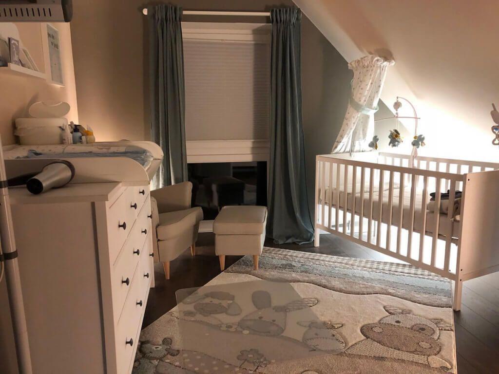 Nachtlicht im Babyzimmer mit Philips Hue #kleinkindzimmer