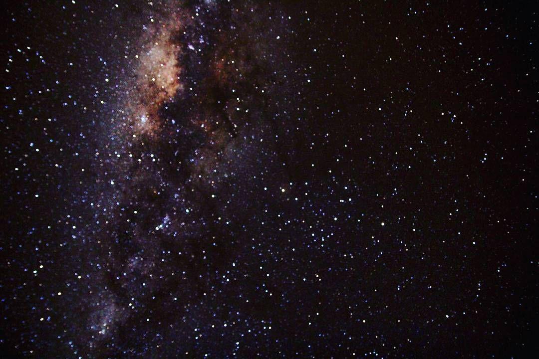 """On instagram by nathygco #astrophotography #contratahotel (o) http://ift.tt/1RGT3LY""""Eu você todos nós somos feitos de matéria das estrelas.""""  #milkway  #canon"""