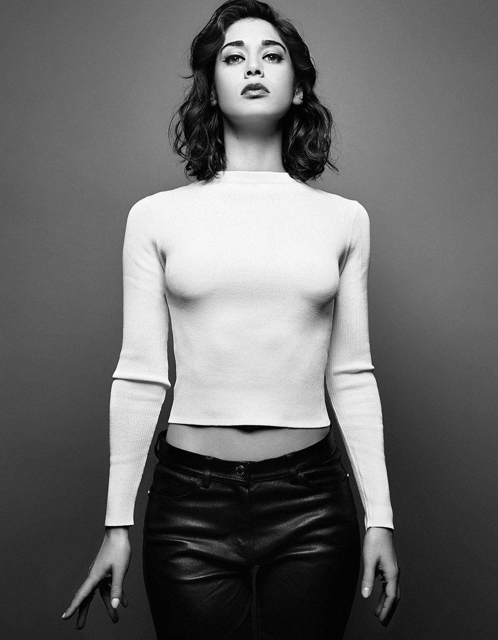 Lizzy Caplan Nude Photos 49