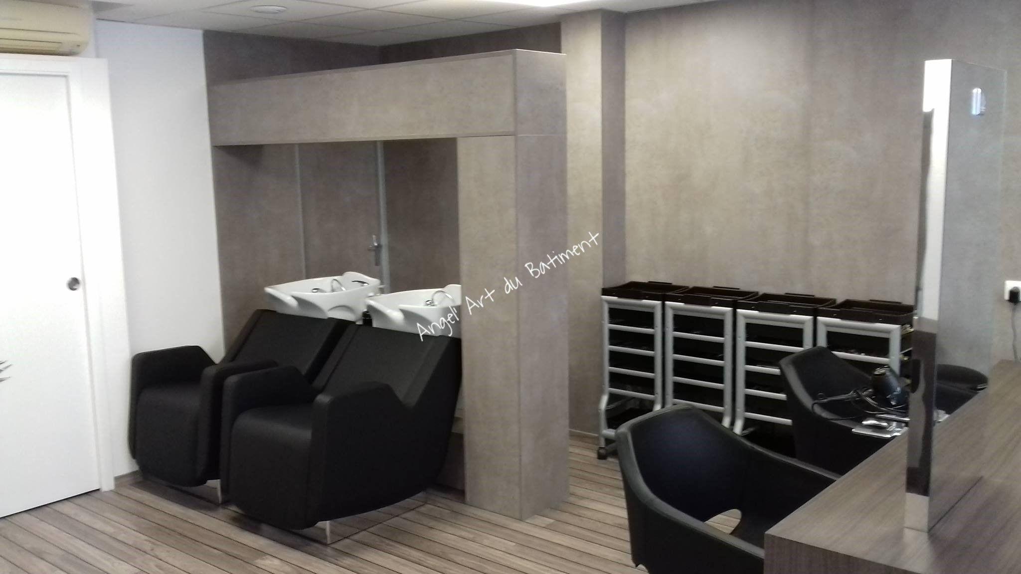 Agencement Du Salon De Coiffure Aurelie S A Stiring Wendel Realise En Panneaux Egger F 274 St9 Beton Clair Salon De Coiffure Salon Coiffure