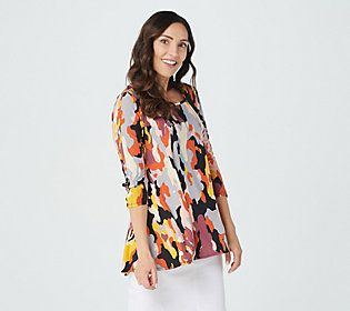 When you're ready for a puts-a-smile-on-your-face print, this tunic delivers -- with a think-outside-the-box square neckline. From Women with Control®.