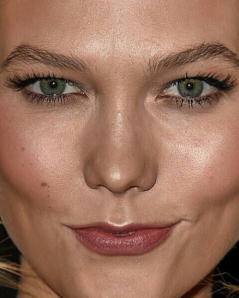 Pin By Hd Photos On Celebrity Face Bad Makeup Close Up Faces Close Up