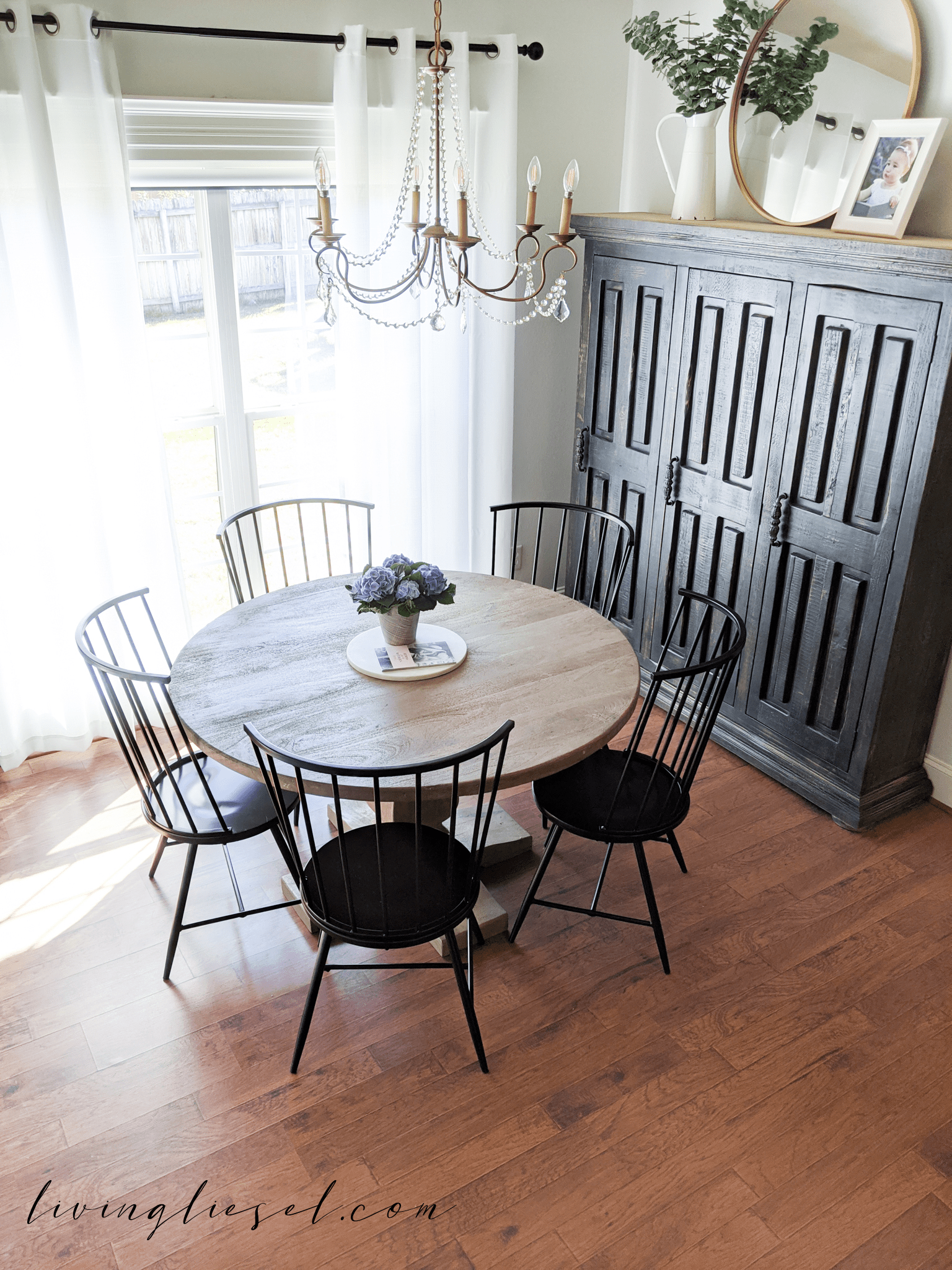 French Country Farmhouse Dining Room -   19 farmhouse decorations for kitchen table ideas