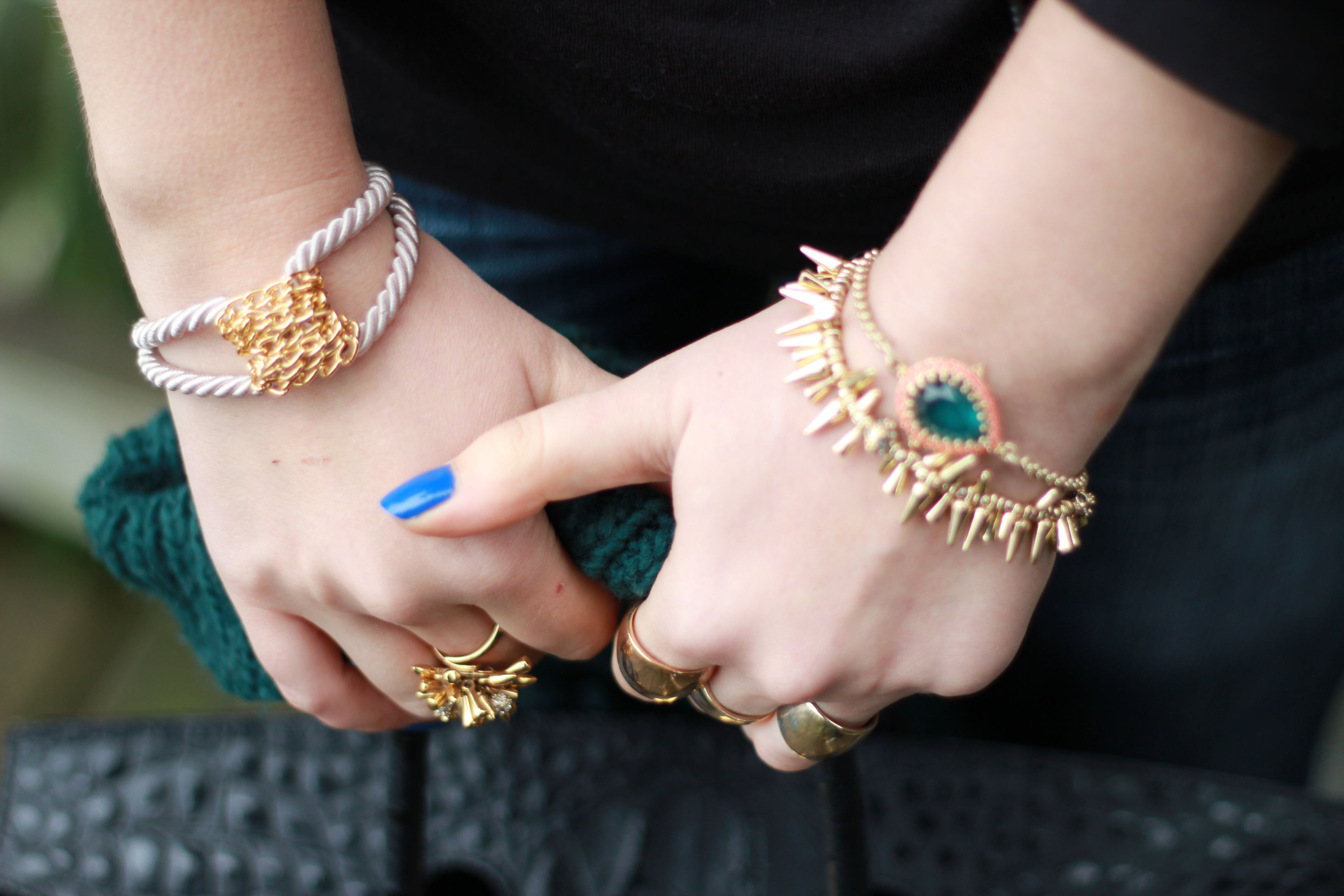 beautiful rings in hands - Google Search   $tunínG ríng ...