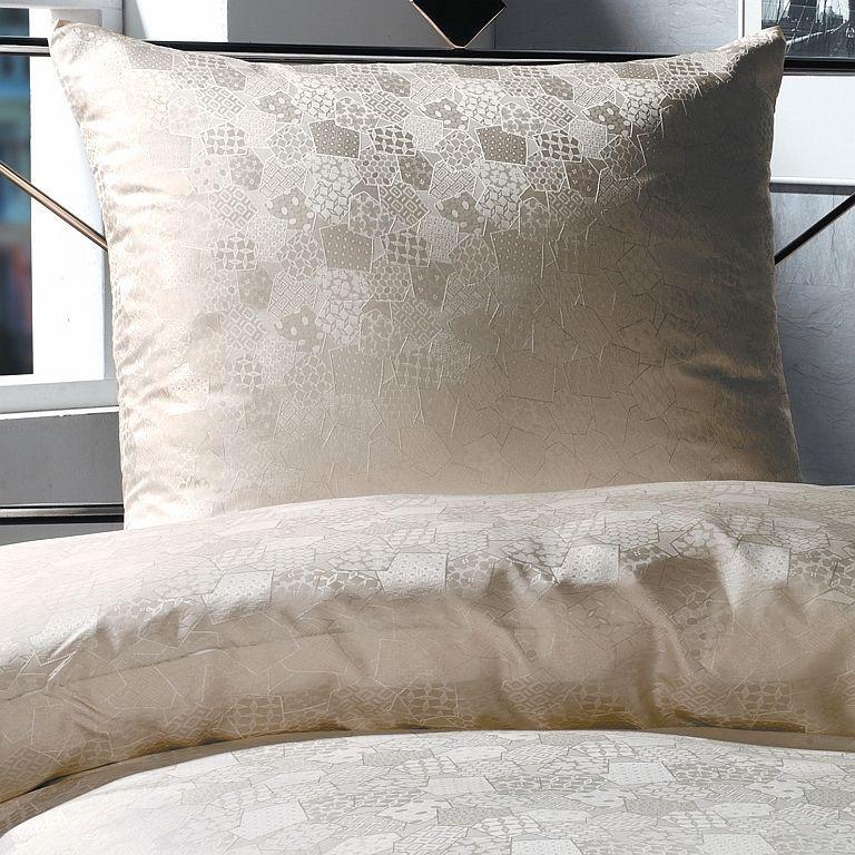 silk-bedding-cellini-design-seidenbettwaesche-089 #Silk bedsheet and duvet cover made in Germany by #Cellini Design. #Seidenbettwäsche aus reiner #Seide von #Spinnhütte Cellini Design aus Deutschland.
