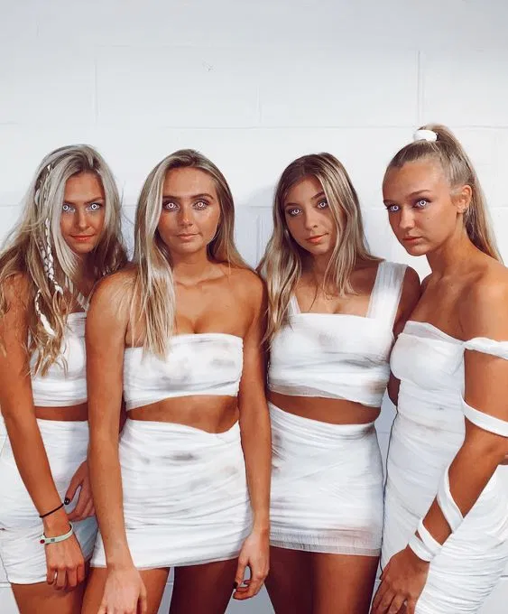 32+ Best Group Halloween Costumes For Teens