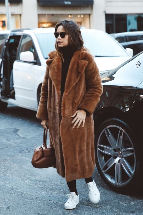 Midi fur coat + white sneakers | home | Fashion, Style ...