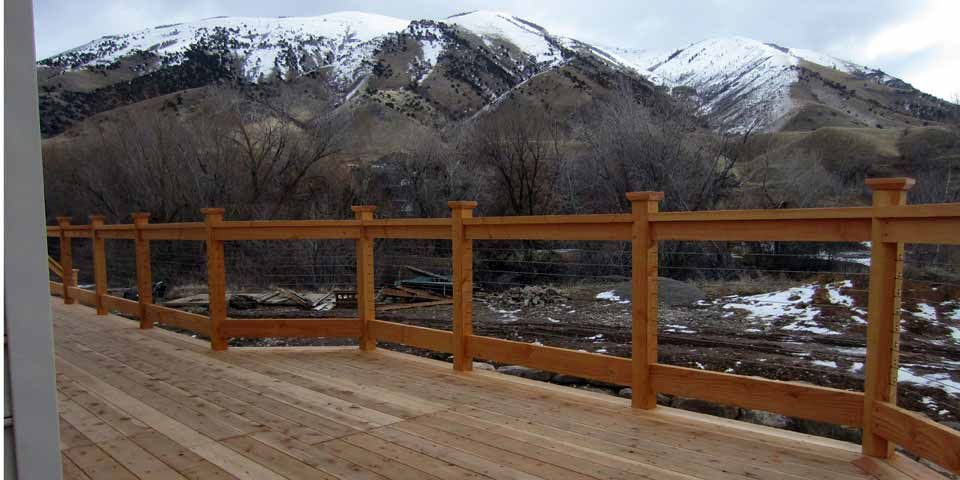 Best Hog Wire Deck Railing Check Out 100S Of Deck Railing Ideas 400 x 300