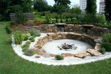 Pin Von Elisa Eili Auf Gardening Feuerstelle Garten Gartengestaltung Ideen Garten Gestalten
