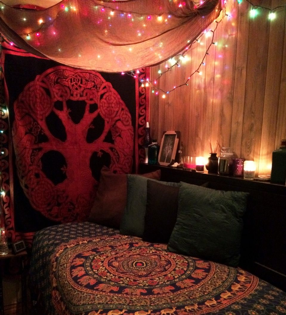 Bohemia ↣✧❂✧↢ If you like these bohemian spaces, you might also like my boards Bohemian P☮rches , Bohemian Bathrooms, Bohemian Kitchens, Bohemian Outdoors, Bohemian Bedroo is part of Bohemian bedroom -