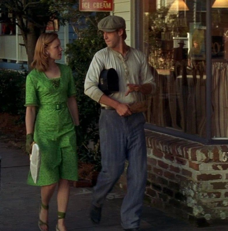 I wish I could dress like allie from the notebook everyday ...