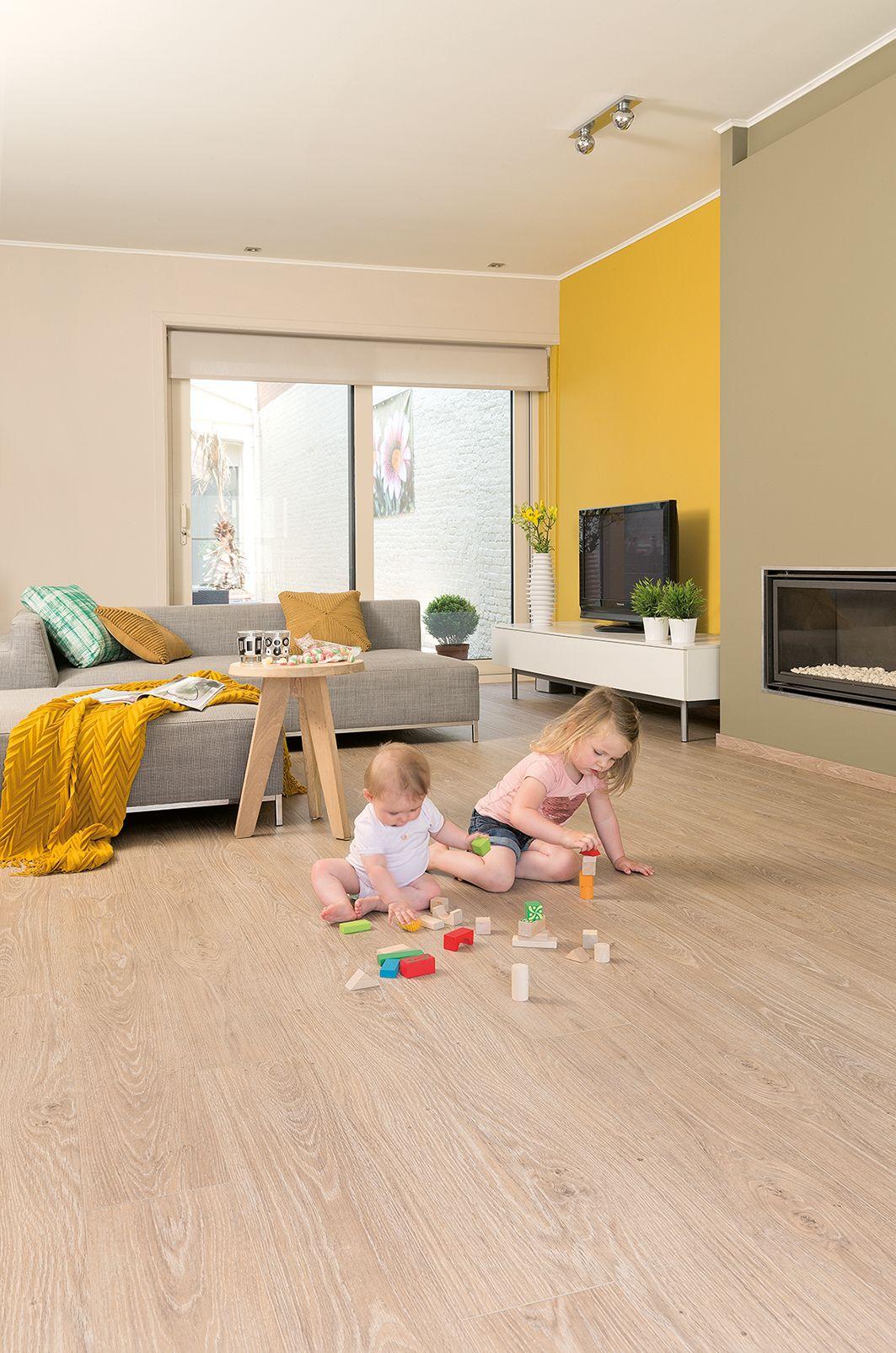 Habitaci n decorada con suelo vin lico de quickstep - Suelos vinilicos infantiles ...