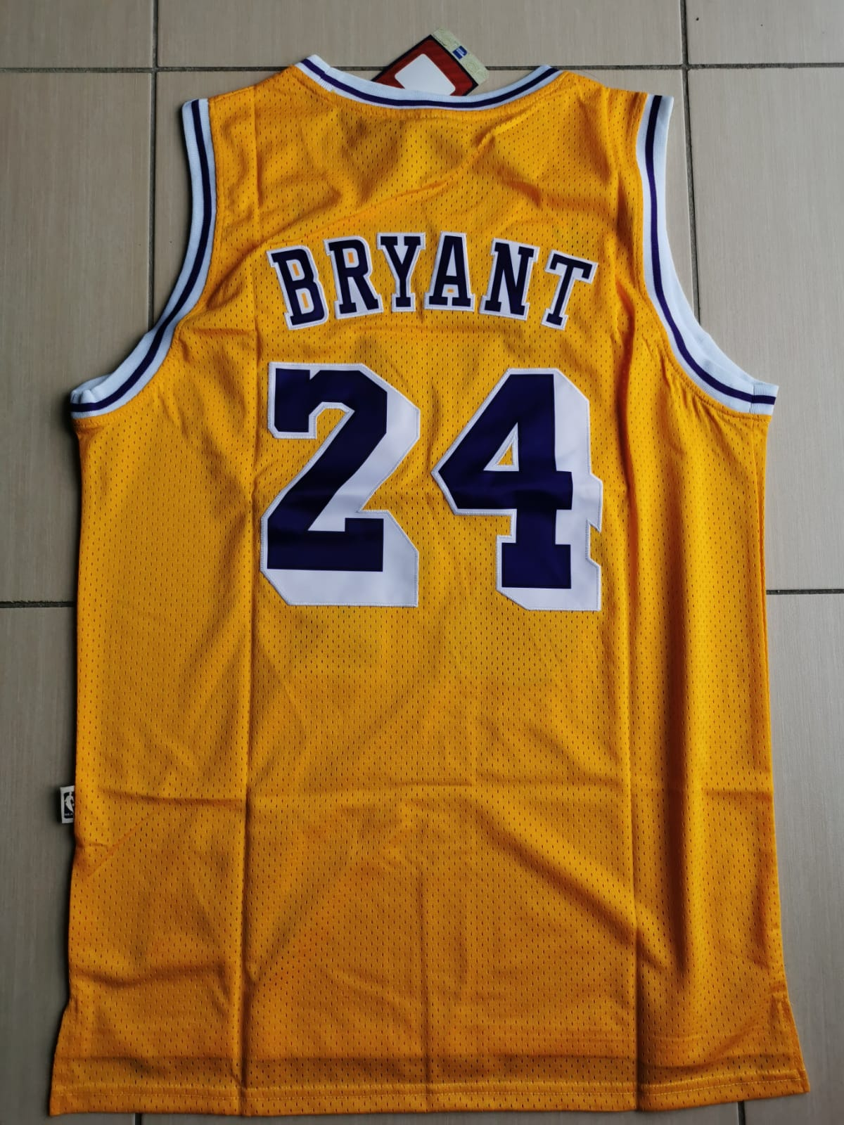 Lakers Yellow 24 Jersey In 2020 Nba Shirts Los Angeles Lakers Lakers