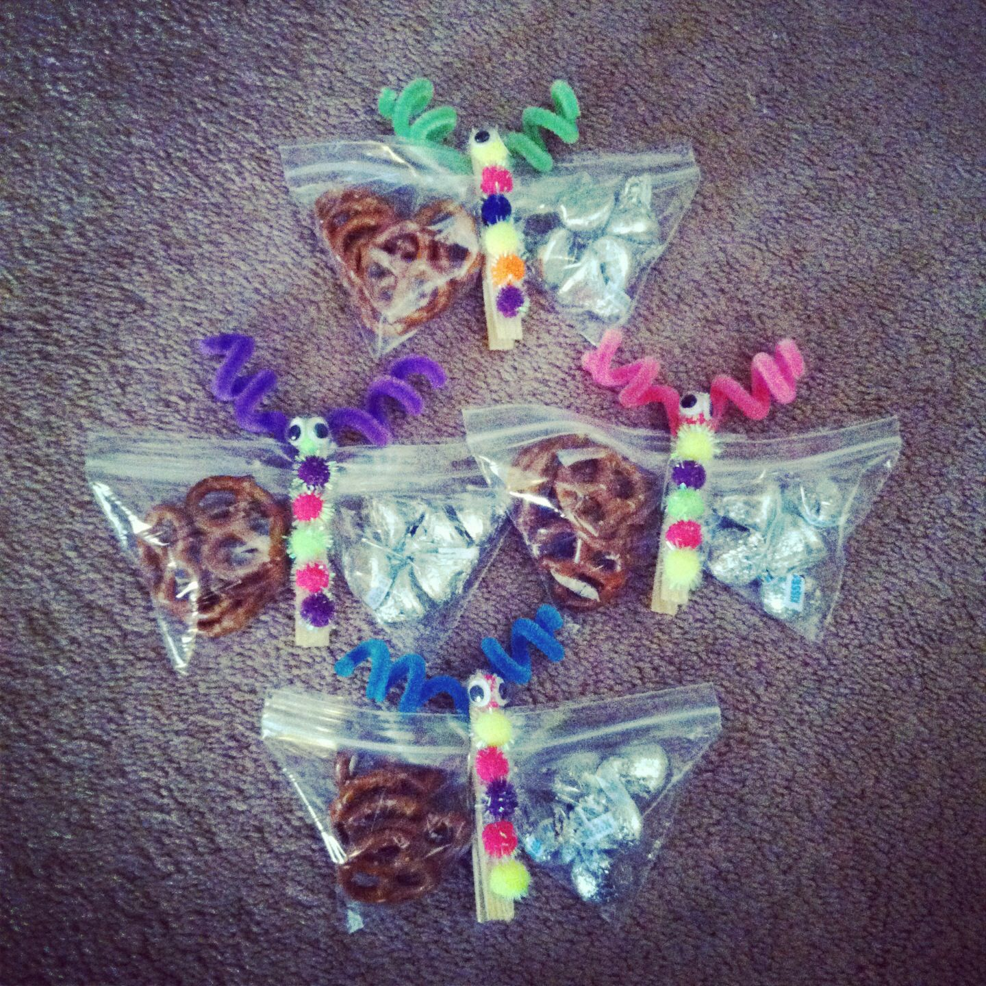 butterfly treat bags made with snack ziplock bags clothes pins rh pinterest com