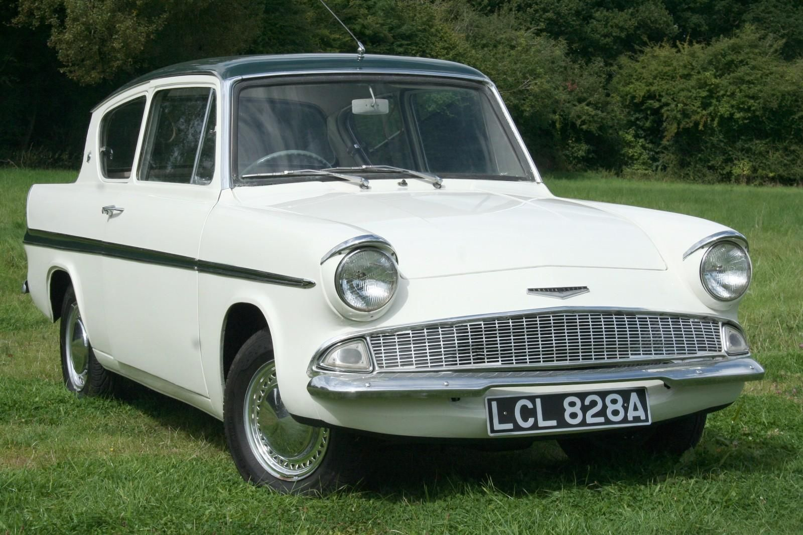 Vintage Cars 1960s Ford Anglia Super 105e In 2020 Ford Classic
