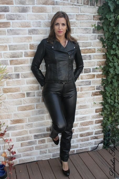 leder leggings outfits featuring leather pants pinterest leather pants leather and latex. Black Bedroom Furniture Sets. Home Design Ideas