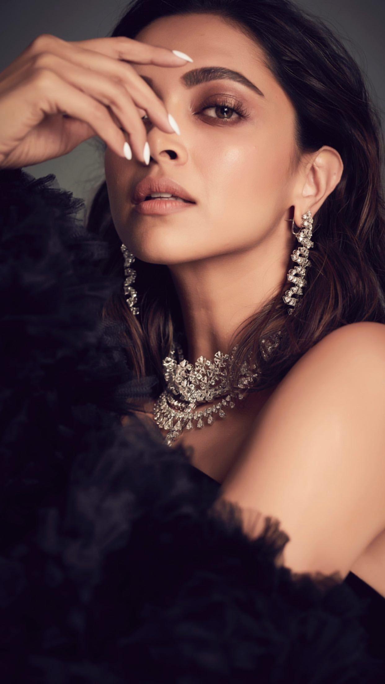 Pin By Anne Boleyn On Queen Deepika Padukone Deepika Padukone Glam Photoshoot Beauty