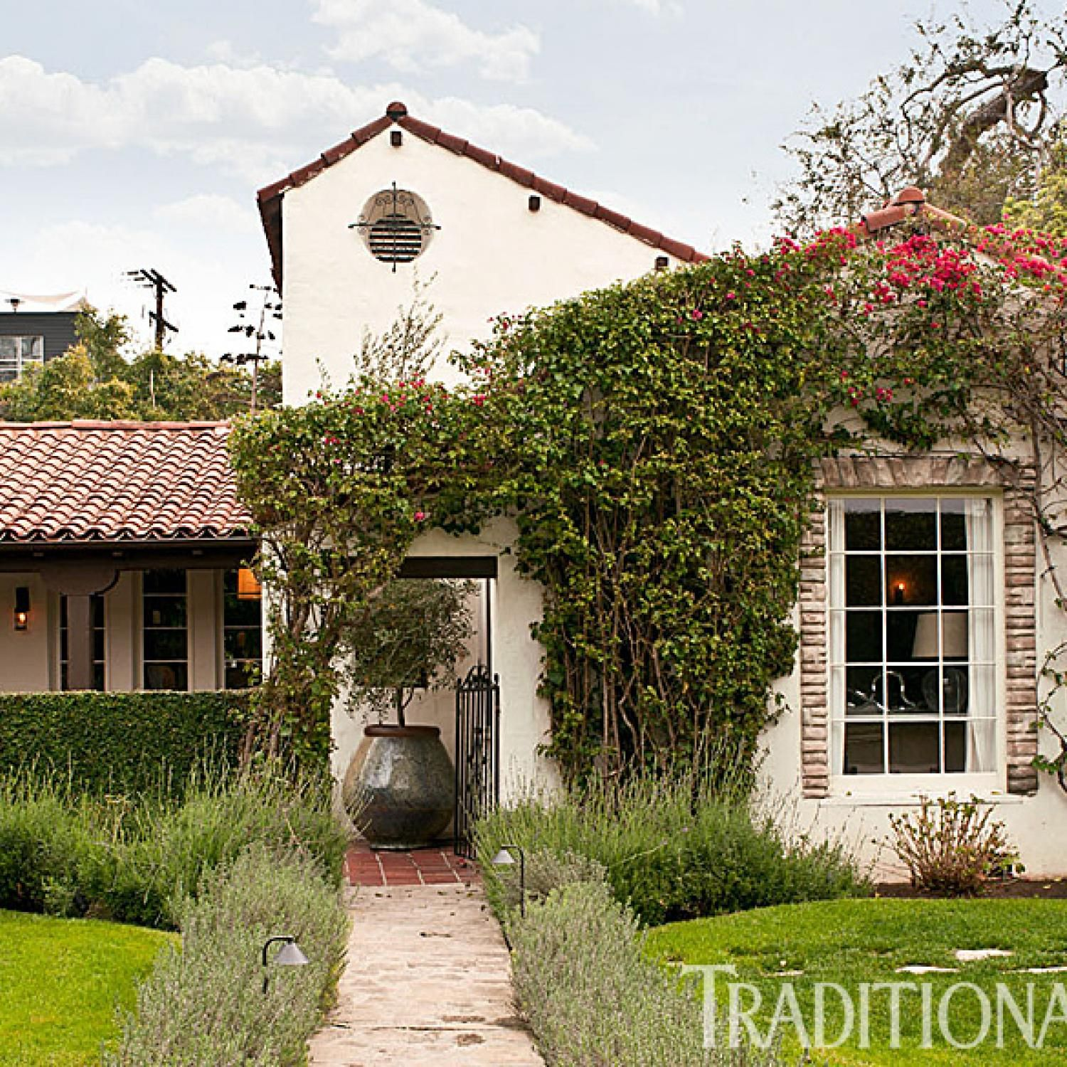 Fresh Classic Style In A West Hollywood Home Spanish Style Homes Spanish Style Spanish Colonial Homes