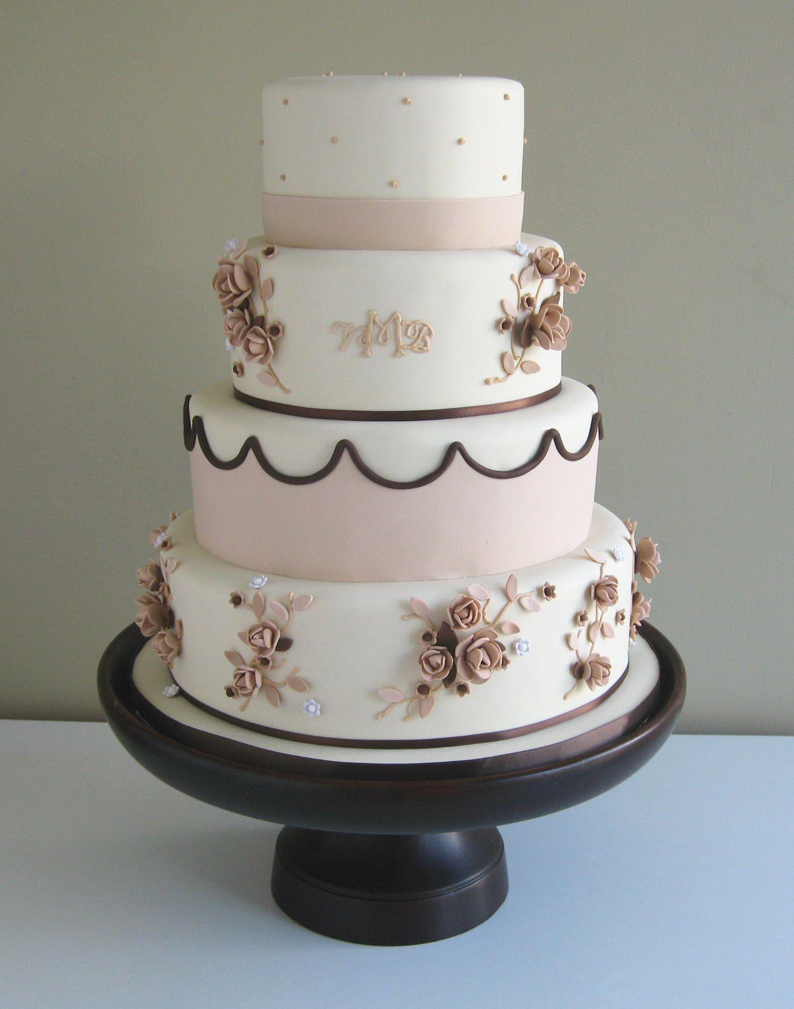 Vintage pink rose cake