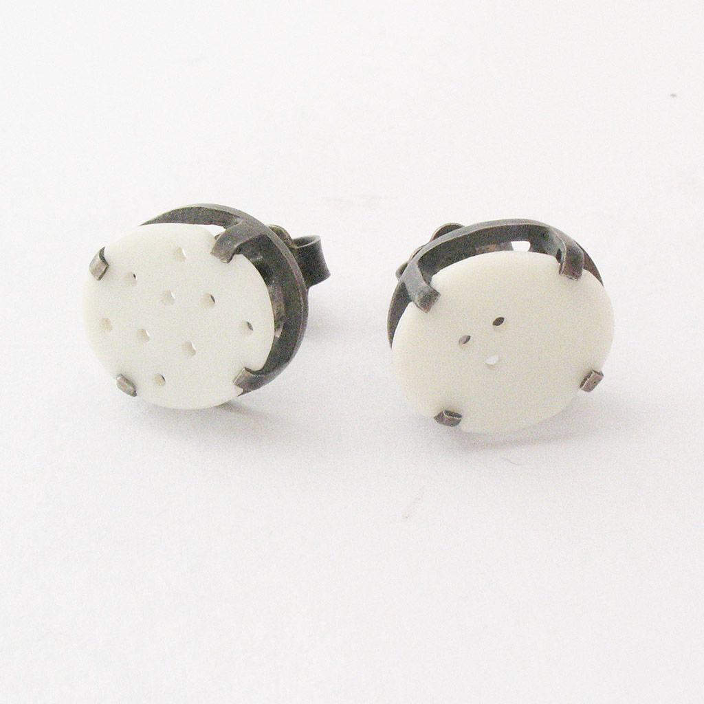Frame studs Contemporary Earrings by contemporary jewellery