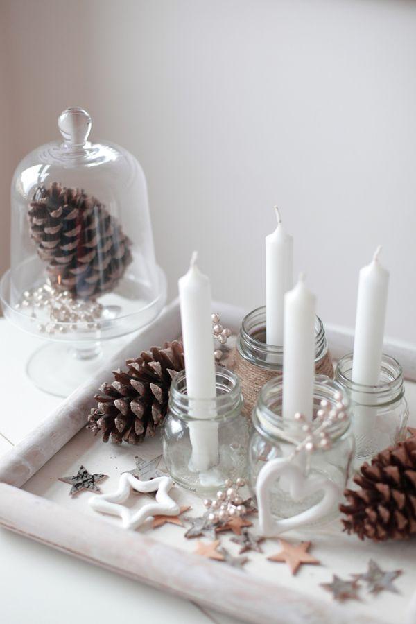 adventskranz ganz in wei f r puristen sehr stilvoll. Black Bedroom Furniture Sets. Home Design Ideas