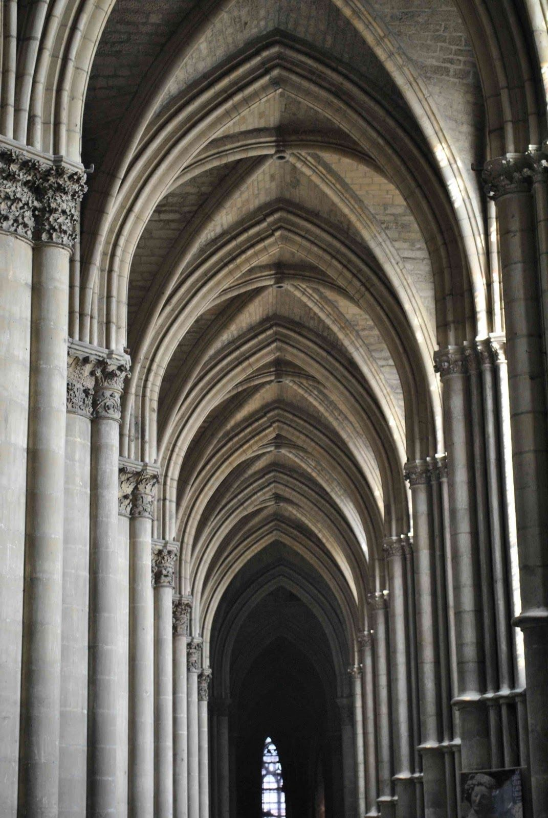 Gothic Architecture Features: AS ART EXAM ARCHITECTURAL FEATURES