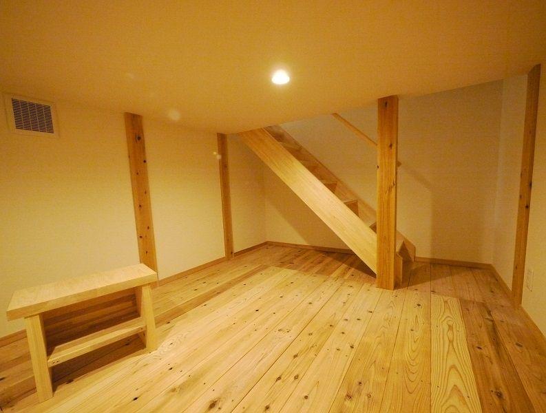 床下収納 全館空調により床下も温度差がほとんどありません 書斎や