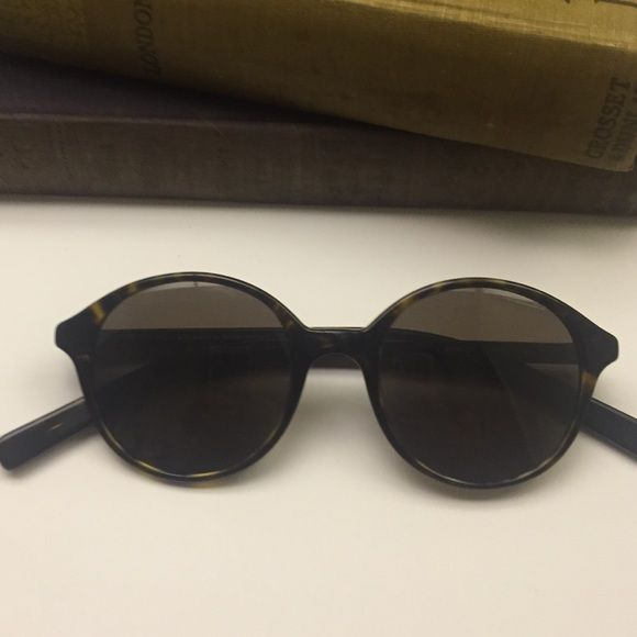 Donna K Sunnies Really lovely condition but there is a small scratch. See third picture. No trades. Donna Karan Accessories Sunglasses