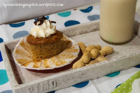 muffin banana e burro arachidi .