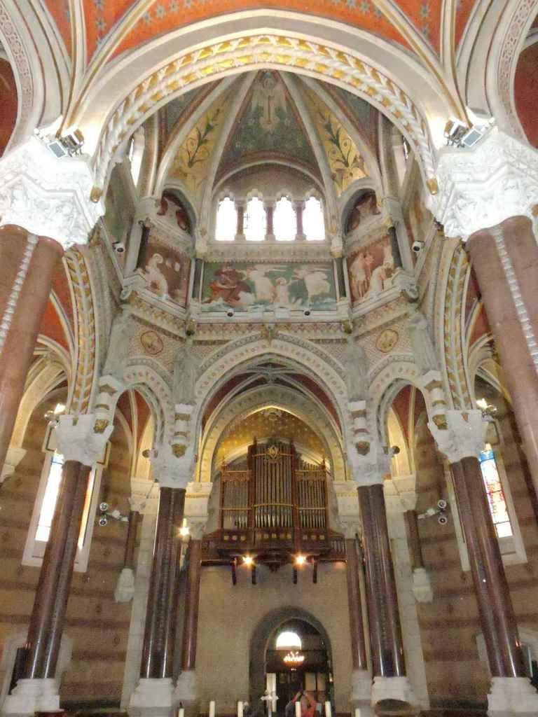 Basilique Sainte-Philomène, Ars-sur-Formans.