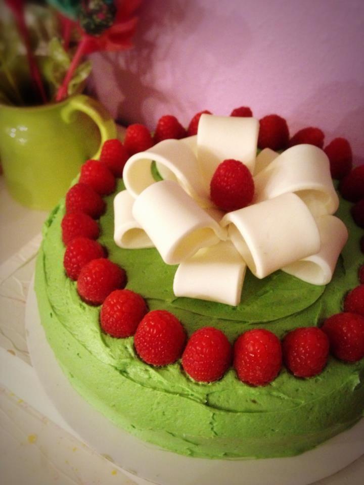Berry Christmas cake