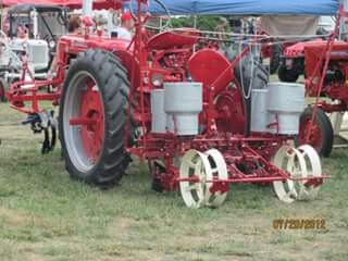 Ih 2 Point Fast Hitch 2 Row Planter Behind A Farmall Super C Farmall Tractors Farmall Tractors