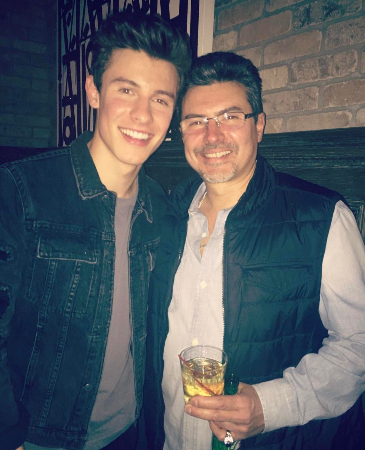 Shawn And Manuel Mendes Shawn Mendes Pinterest Shawn Mendes