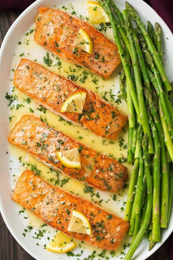 This Salmon with Garlic Lemon Butter Sauce Is Dinner Goals #salmonrecipes