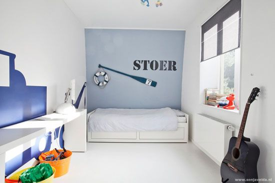 mommo design - MINIMALIST BOYS ROOMS