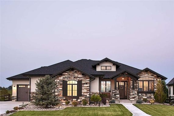 Interesting Facts About The Ranch Style Home Ranch Style Homes Ranch House Plans Brick Exterior House
