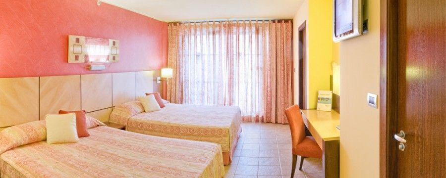 #Hotel Serhs Natal Grand #Resort | · 114 Spacious Family Rooms: With sea view and balcony. For families up to 4 people (2 adults + 2 children), Book now at http://www.hotelurbano.com.br/resort/hotel-serhs-natal-grand-resort/787