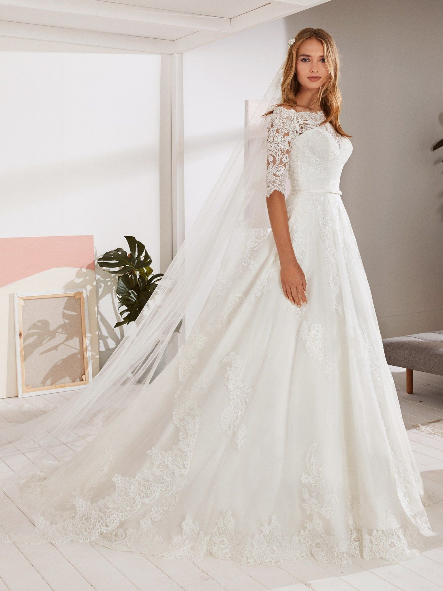 White One Ossa Size 28 Sheer Lace Off The Shoulder Wedding Dress Sleeves Ballgown In 2021 Lace Wedding Dress With Sleeves A Line Wedding Dress With Sleeves Wedding Dresses [ 2048 x 1536 Pixel ]