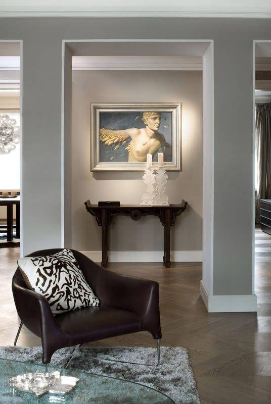 Stylowa Konsola W Przedpokoju Przedpokoj Styl Klasyczny Aranzacja I Wystroj Wn Small Living Room Design Living Room Design Layout Living Room Designs